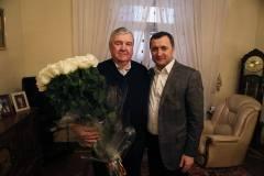 Stimate Domnule Președinte Mircea Snegur, vă felicit din suflet cu ocazia zilei de naștere și doresc să vă mulțumesc pentru tot ceea ce ați făcut pentru Republica Moldova!
